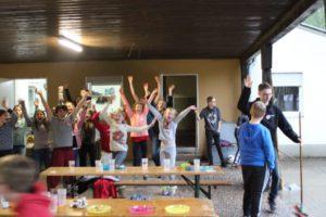 Tanzende Kinder